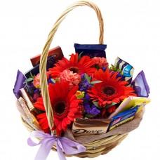 Корзина Шоколад и цветы